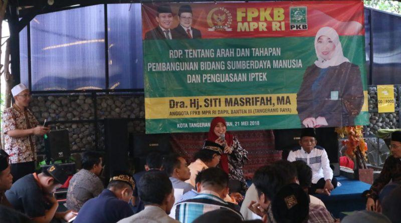 Hj.Siti Masrifah,MA Sosialisasi Pentingnya Masyarakat Menguasai IPTEK