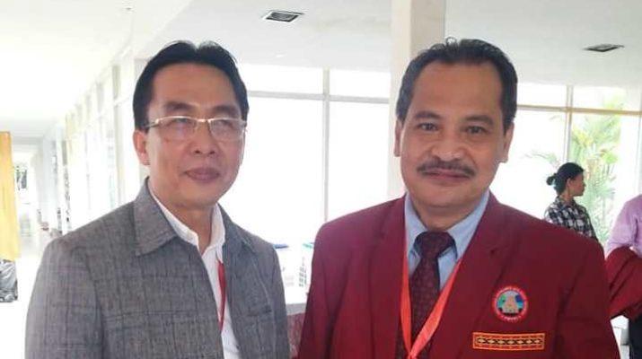 Florus Daeli (Kiri) dan Faahakhododo Maruhawa (Kanan)