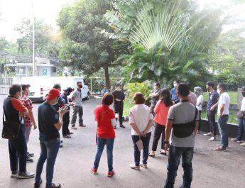 Pelayanan Komunitas Ormas Dan Firman Jaya Daeli Untuk Berbagi Atas Pergumulan Warga Akibat Covid-19