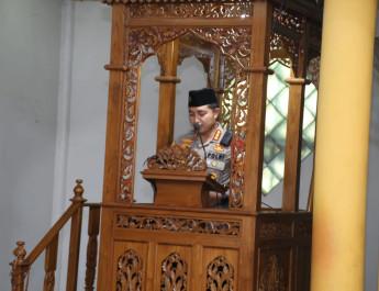 Jumat Keliling, Kapolresta Tangerang Imbau Masyarakat Patuhi Aturan Larangan Mudik